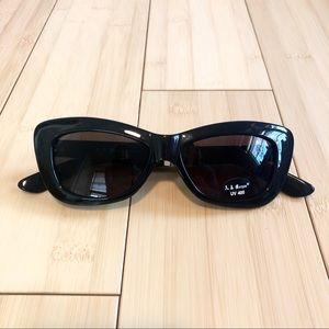 NWT AJ Morgan Black Sunglasses